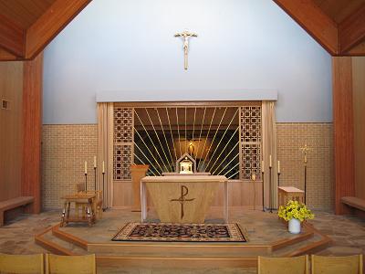 Image of Discalced Carmelite chapel interior